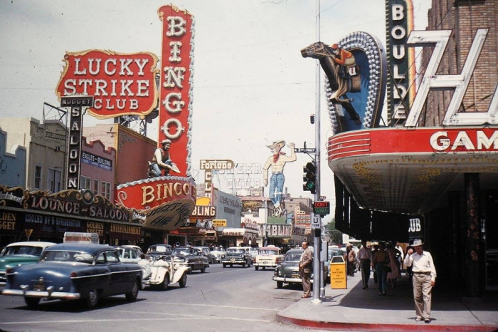 Одна из наиболее известных улиц Лас-Вегаса.