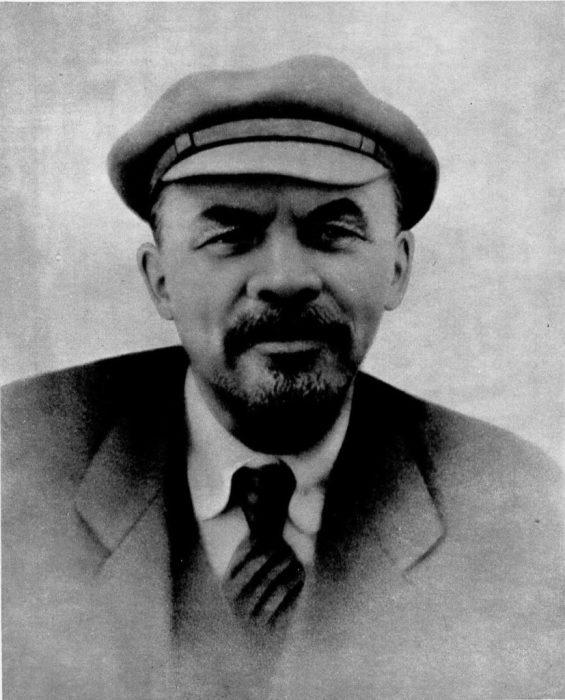 Создатель первого социалистического государства.