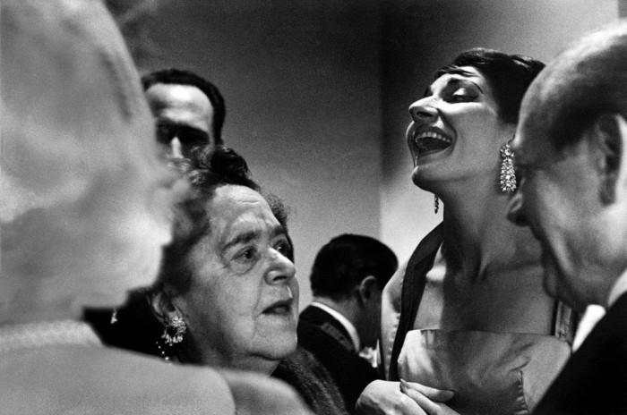 Во время антракта в Филадельфийской опере. США, Штат Пенсильвания, 1959 год.