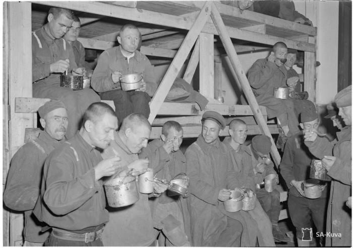 Обед заключённых. Выборг, 1942 год.