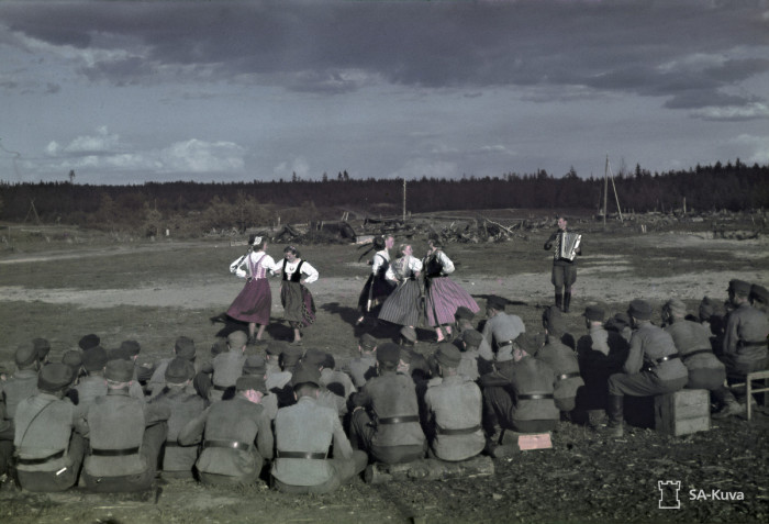 Концерт для солдатов. Свирь, 1943 год.
