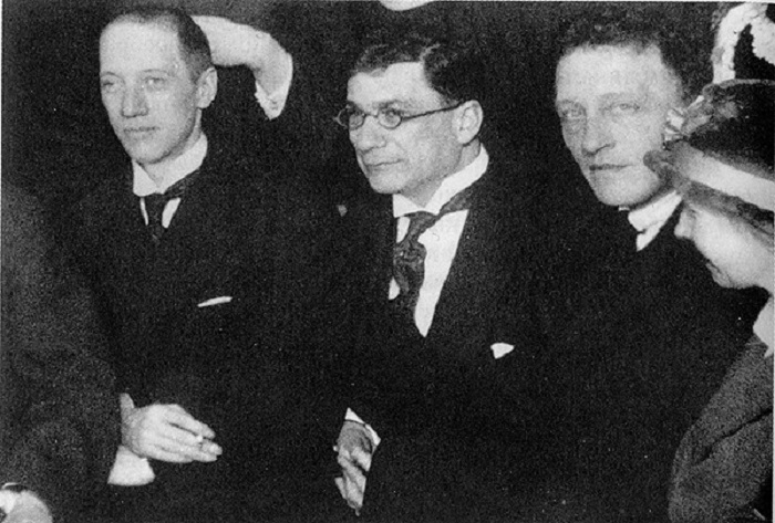 Н. С. Гумилёв, З. И. Гржебин, А. А. Блок.