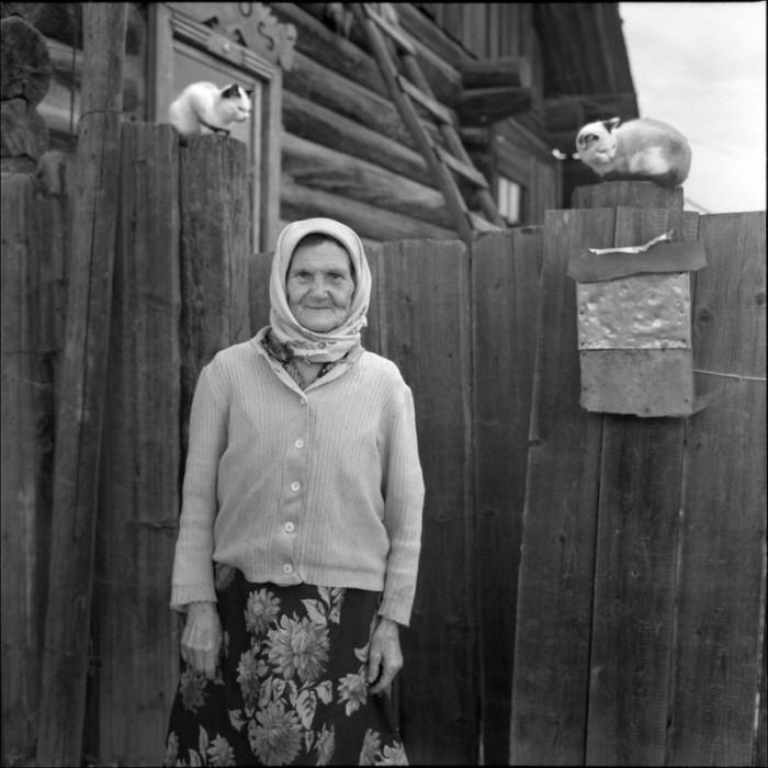 Сфинксы. Красноярский край, Курагинский район, село Петропавловка, 2005 год.