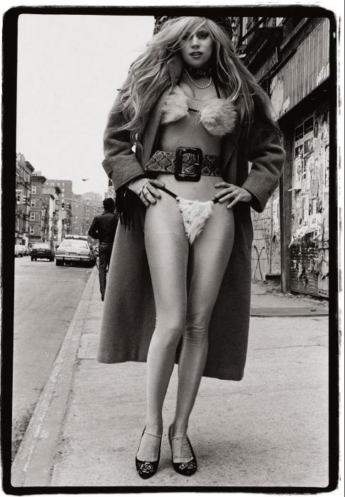 Бикини из меха. США, Нью-Йорк, 1987 год. Автор: Amy Arbus.
