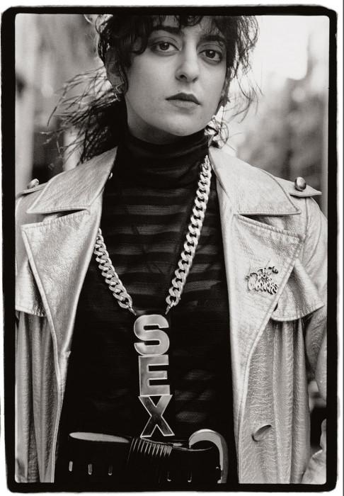 Медальон «Секс». США, Нью-Йорк, 1988 год. Автор: Amy Arbus.