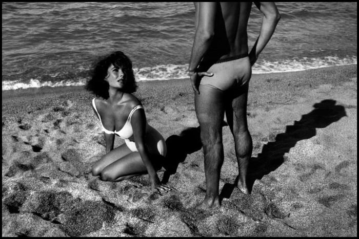 25-летняя Элизабет Тейлор на съёмках фильма «Внезапно, прошлым летом». Испания, Сагаро, 1959 год.