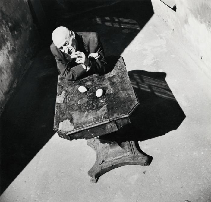 Случайный снимок в одном из дворов. СССР, Ленинград, 1985 год. Автор фотографии: Boris Smelov.
