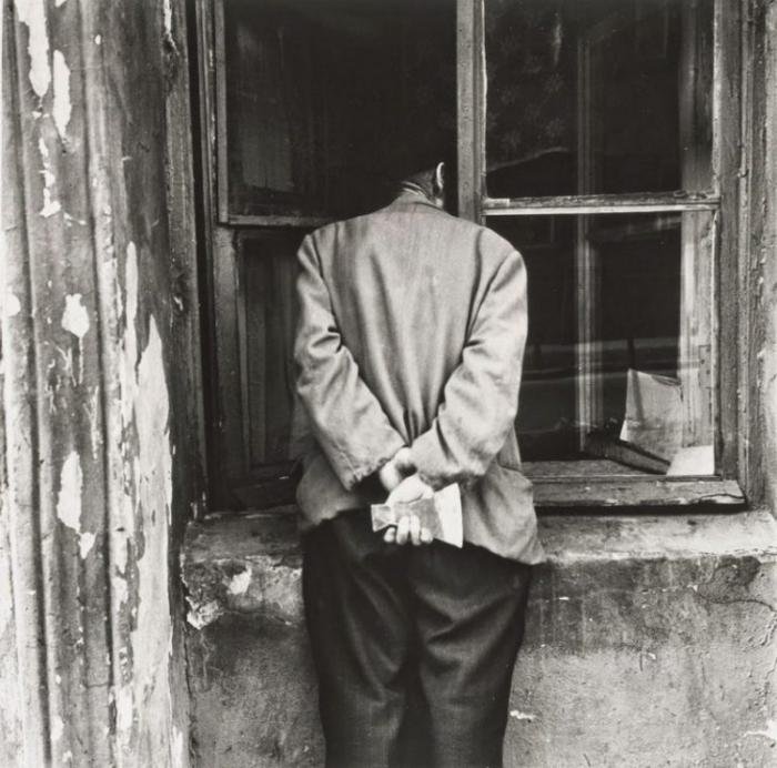Мрачная фотография. СССР, Ленинград, 1975 год. Автор фотографии: Boris Smelov.