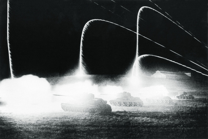 Ночное танковое сражение между частями германской и советской армий, 1943 год.