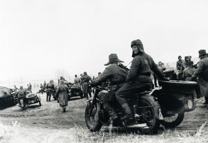 Начало контрнаступления Красной Армии под Сталинградом.