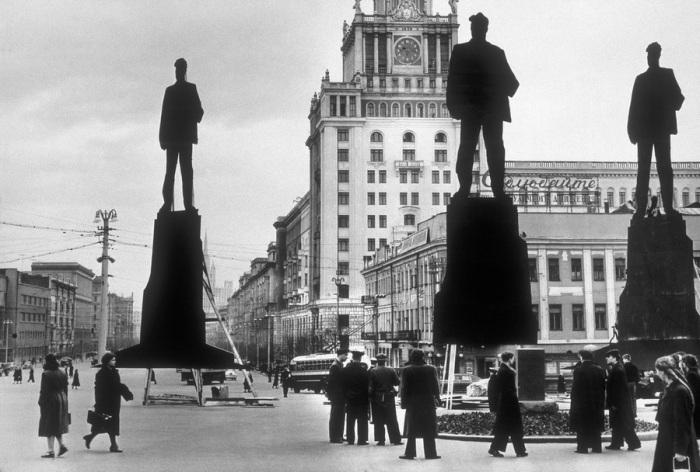 Выбор места для памятника Владимиру Маяковскому. СССР, Москва, 1958 год.