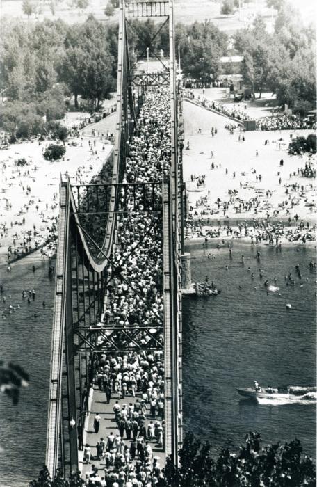 Мост через Днепр. СССР, Киев, 1958 год.