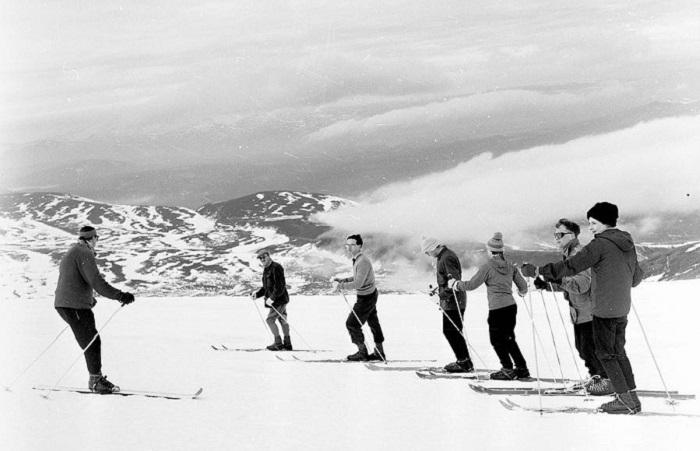 Катание на лыжах. Фото: Джон Дрисдейл.