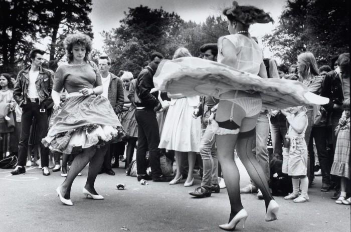 Уличные танцы в Амстердаме в середине XX века.