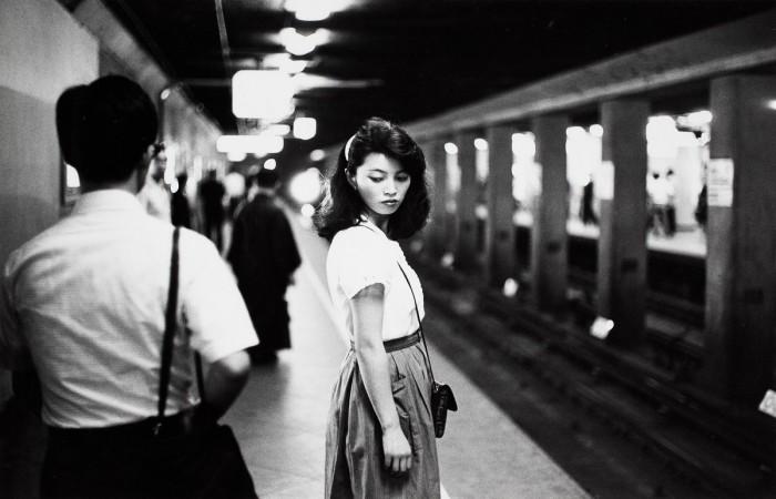 Девушка в метро. Япония, Токио, 1984 год.