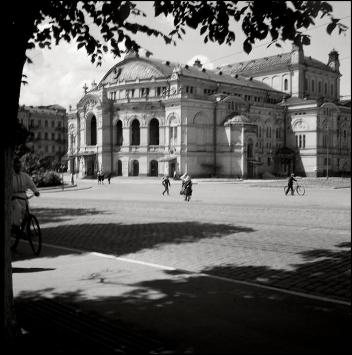 Академический театр оперы и балета имени Тараса Шевченко. СССР, Киев, 1943 год.