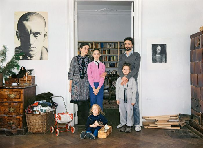 Простая семья, проживающая в Восточном Берлине.