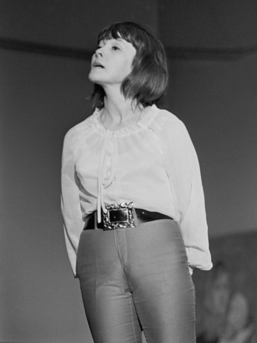 Белла Ахмадулина в Доме Художника на Кузнецком мосту, 1974 год.