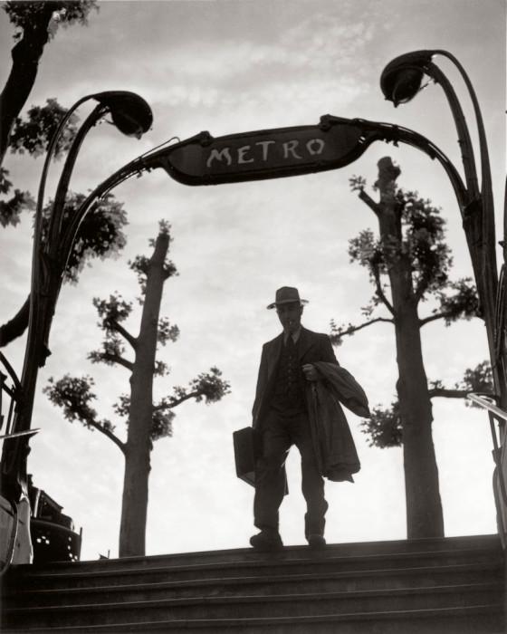 Станция метро Мирабо в шесть утра, 1949 год.