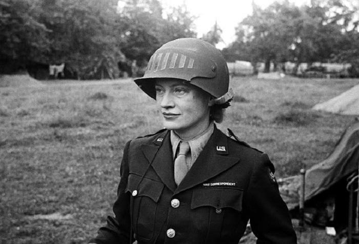 Портретный снимок Ли Миллер. Нормандия, 1944 год.