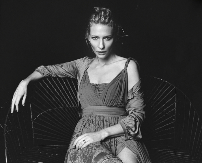 Австралийская актриса театра и кино.