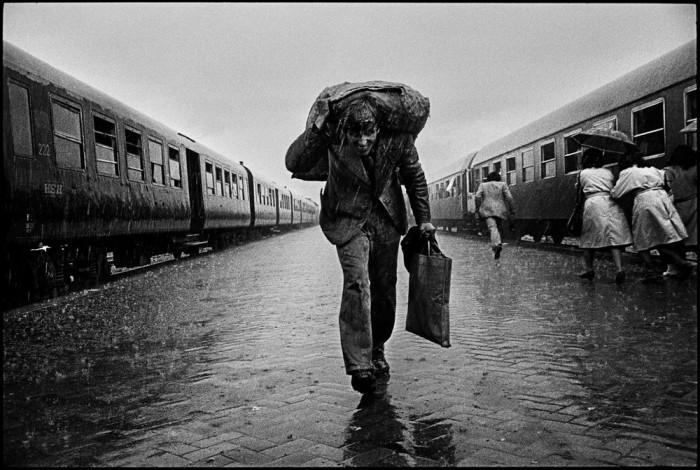 Центральный железнодорожный вокзал. Албания, Тирана, 1991 год.