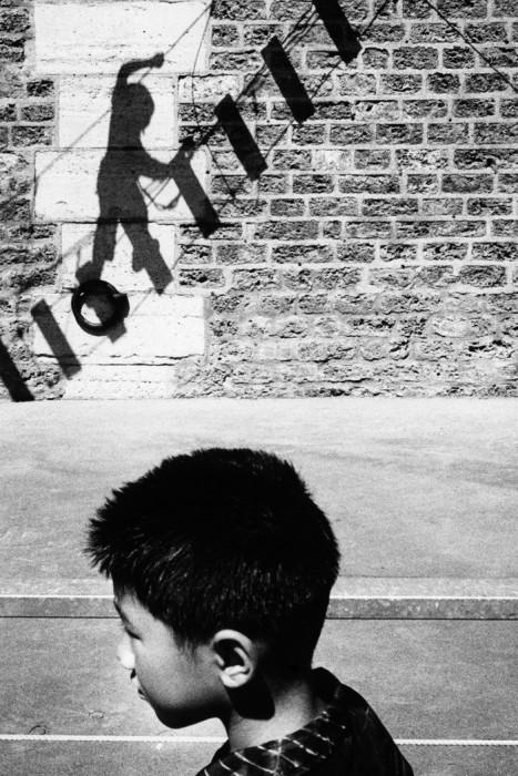 Чёрно-белый снимок, сделанный автором во время путешествия по Франции.