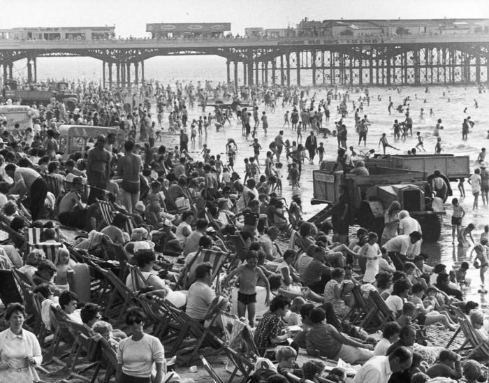 Разгар летнего курортного сезона 1970 года.
