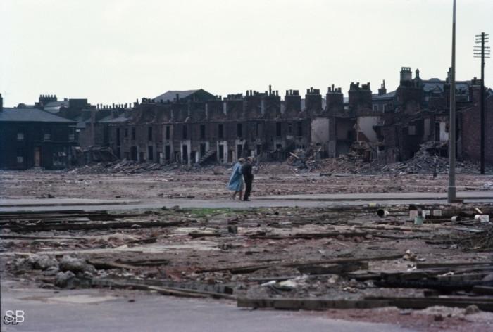 Прогулка среди развалин Манчестера. Англия, 1967 год.