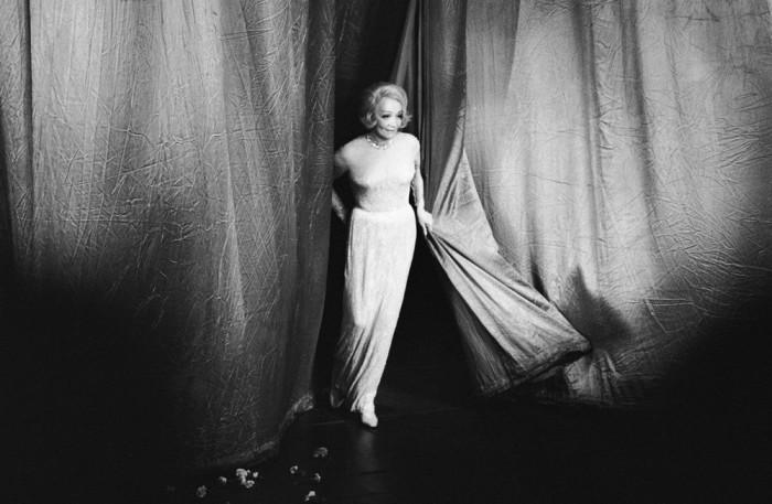 Актриса, певица и секс-символ целой эпохи.