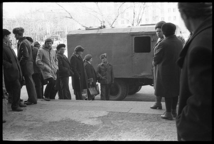 Из СИЗО в суды заключенных доставляют в тюремных фургонах. Автор фотографии: Vladimir Vorobyov.