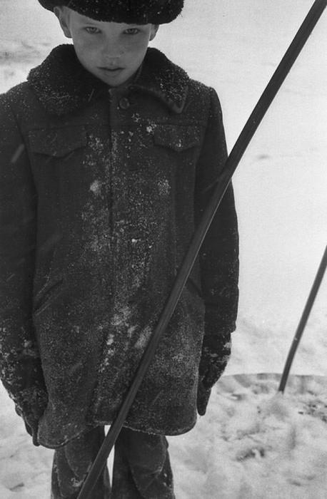 Зимняя прогулка. СССР, Новокузнецк, 1980-е годы.