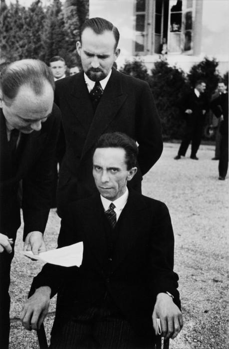 Министр пропаганды гитлеровской Германии Йозеф Геббельс на конференции Лиги наций в Женеве в 1933 году.