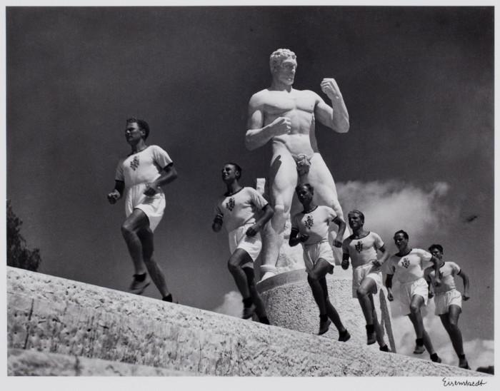 Бегуны. Италия, Рим, 1934 год.