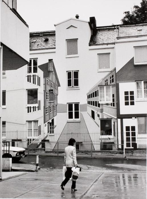 Здание с оптической иллюзией в районе Песельдорф, Гамбург, Германия, 1979 год.