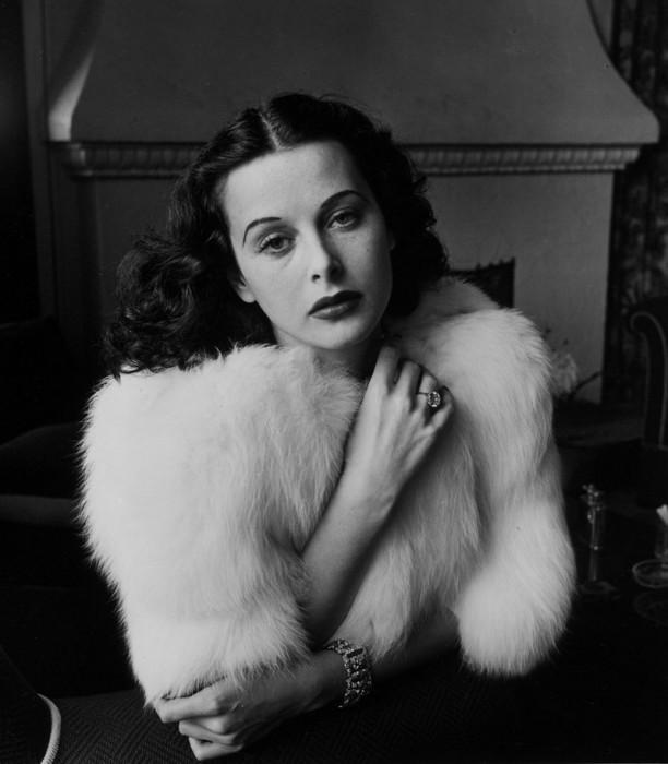 Знаменитая в 1930-е —1940-е годы австрийская, а затем американская актриса кино.