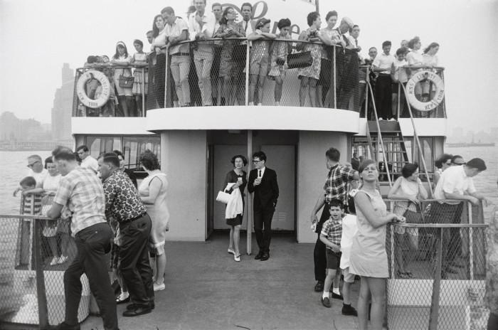 Путешествие на круизном корабле от Баттери-парка до Статуи Свободы.