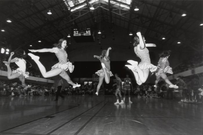 Группа поддержки спортивной команды. Техас, Остин, 1974 год.