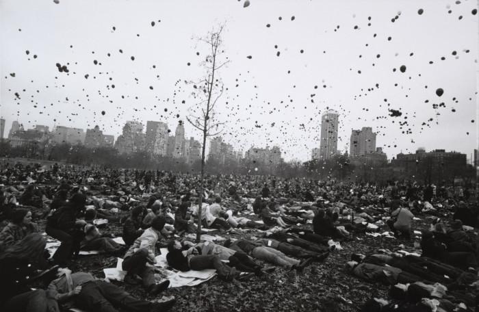 Мирная демонстрация в одном из крупнейших парков в США. Нью-Йорк, 1970 год.