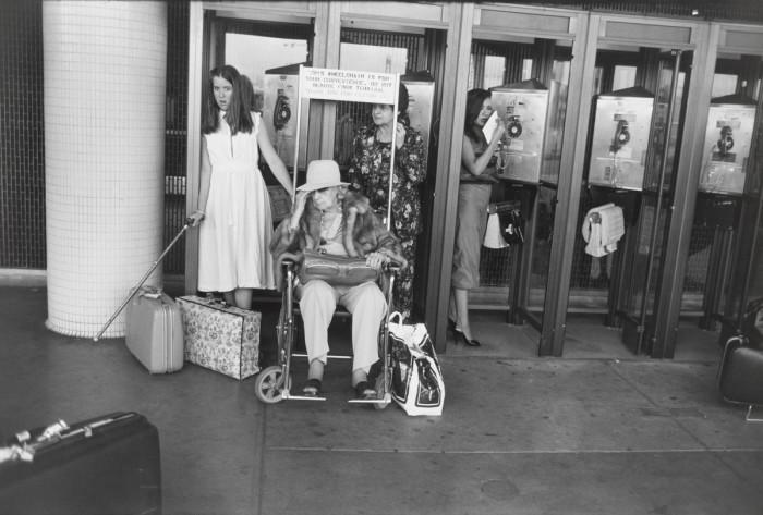 В одном из терминалов международного аэропорта Лос-Анджелес, 1978 год.