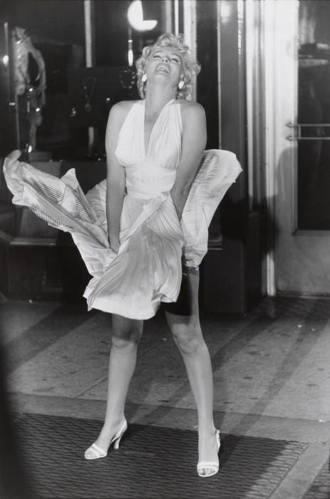 Известная американская киноактриса и секс-символ 1950-х годов.