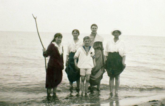 Мария, Ольга, Алексей и Татьяна Романовы.