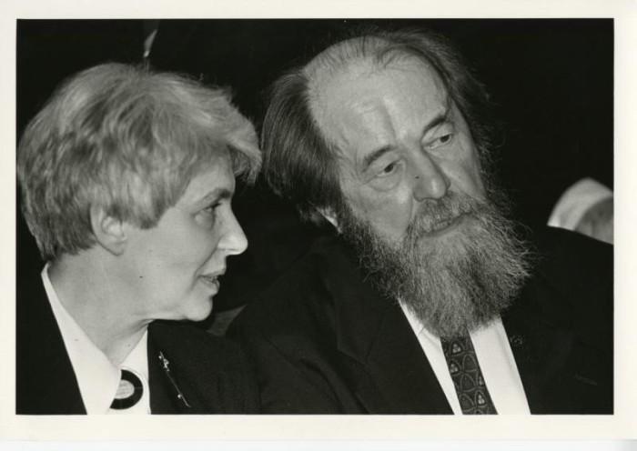 Вручение литературной премии в гостинице «Метрополь». СССР, Москва, 11 апреля 1995 год.