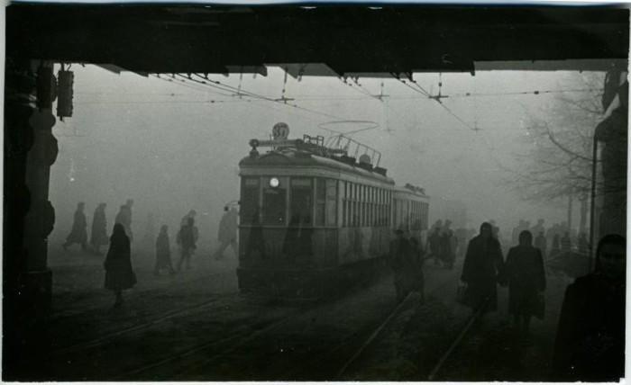 Трамвай на Комсомольской  площади. СССР, Москва, 1955 год.