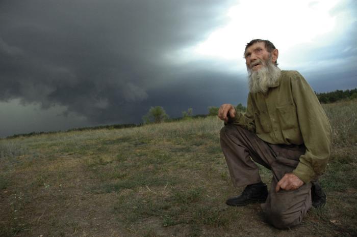 Единственный житель хутра «Рубеж» на границе Воронежской и Ростовской областей. Автор фотографии: Андрей Архипов.