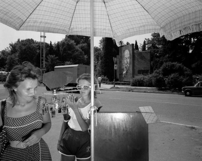 «Сувениры, сувениры!». СССР, Сочи, 1988 год.