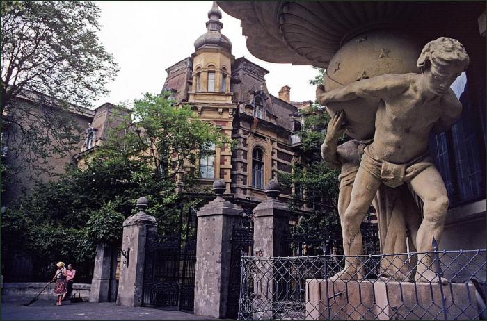 Сразу несколько архитектурных памятников Одессы.