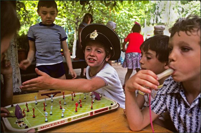 Настольная игра, которая была популярна в СССР.