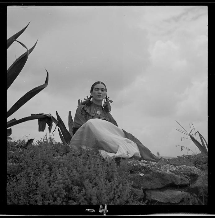Фотография Фриды Кало, сделанная в 1937 году.