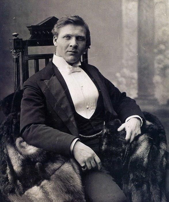Фёдор Иванович Шаляпин - знаменитый оперный и камерный певец.